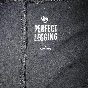 SO Pants - 🌸Black leggings🌸